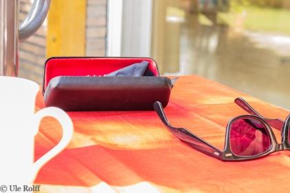 Sommer-Stillleben mit Brille