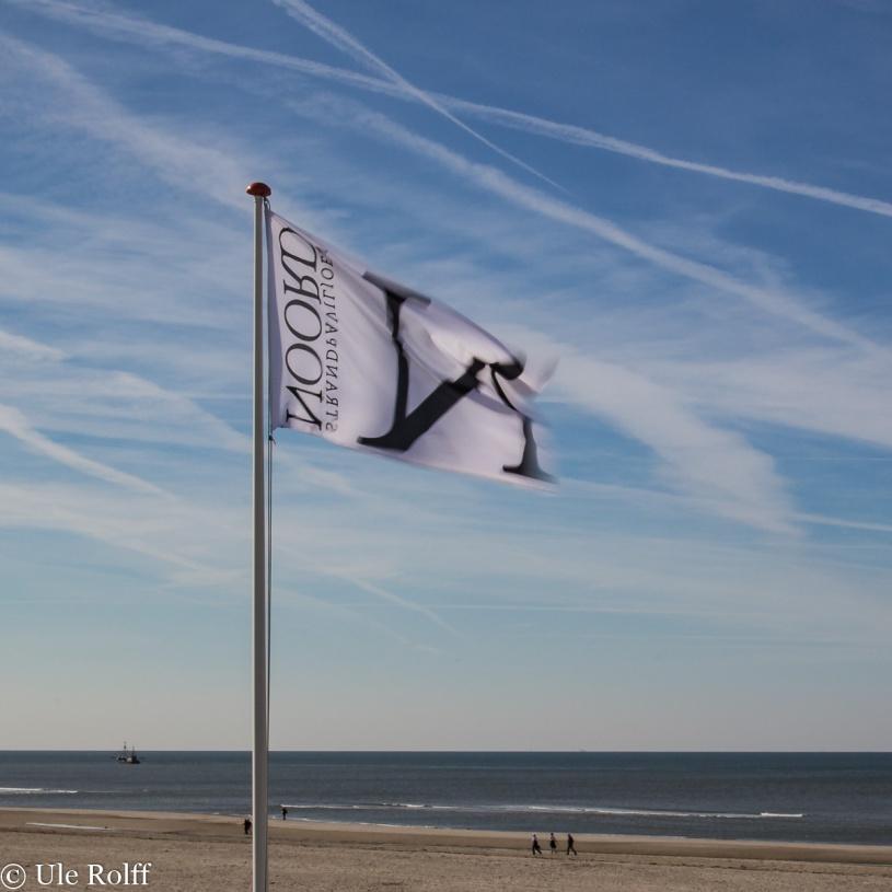 Fahne am Strand