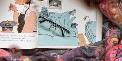 "Collage zu Wolf Erlbruchs ""Frau Meier, die Amsel"""