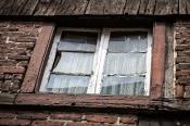 Fenster zu einem Raum auf dem Balken, vielleicht zu ehemaligem Schlafzimmer - Window to a room on the beam, perhaps to a former bedroom