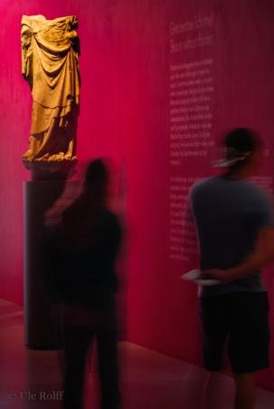 Kopflos - ein Römer? Hat nichts mit Politik zu tun ... nein: einer der zehn Apostel, die in diesem Raum mit Maria wachen.
